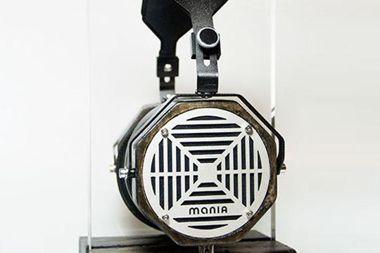 Erzetich Mania hodetelefoner